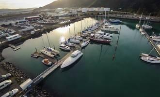 Catamaran Berths